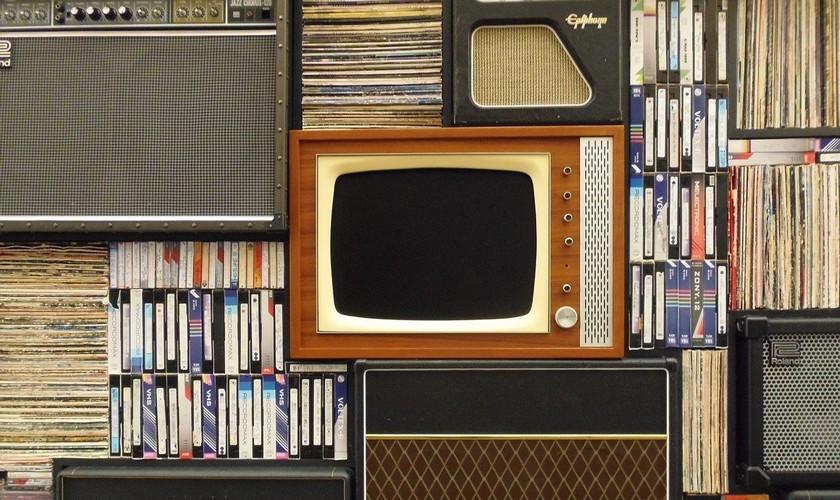 Jak podlaczyc telefon do starego telewizora